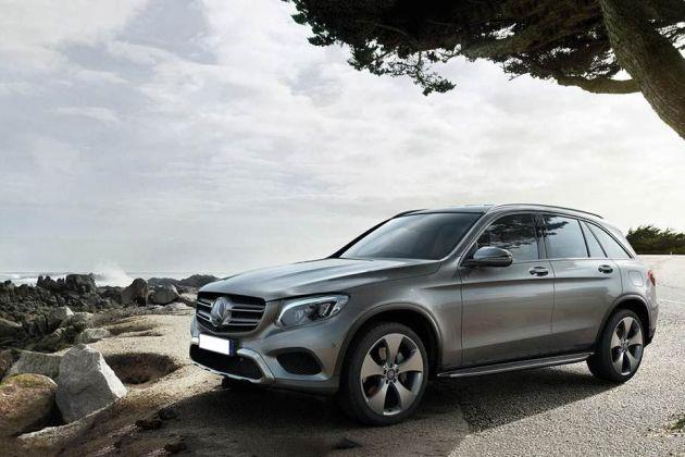 Mercedes-Benz GLC Front Left Side Image