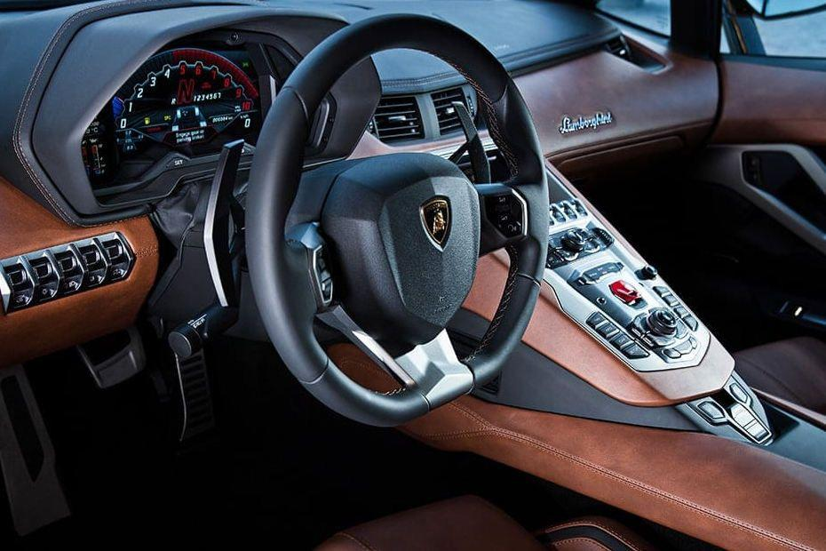 Lamborghini Aventador Images - Aventador Interior & Exterior Photos ...