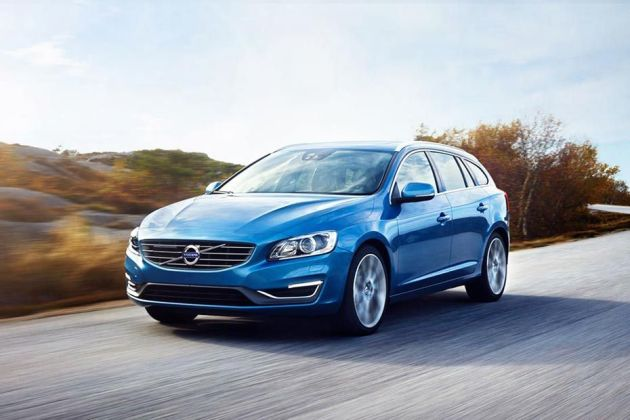 Volvo S60 Front Left Side Image