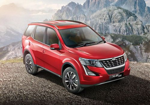 Mahindra XUV500 W11 AT