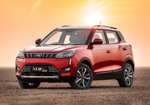 Mahindra XUV300 W8 Option