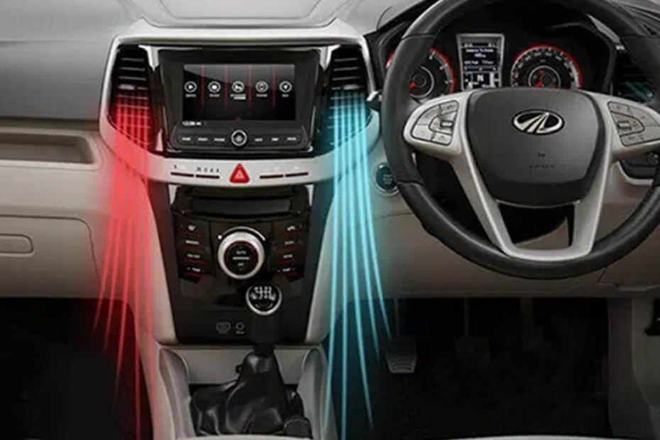 Mahindra XUV300 W8 Option AMT Dual Tone